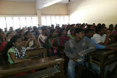 Students are attending guidance lecture on competitive exam